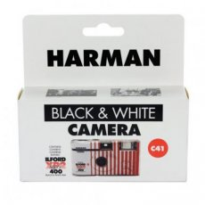 ILFORD HARMAN Black&White Camera Flash 135-27 iso400 (C41)